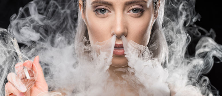 Fa Male Esalare il Fumo di Cannabis dal Naso?