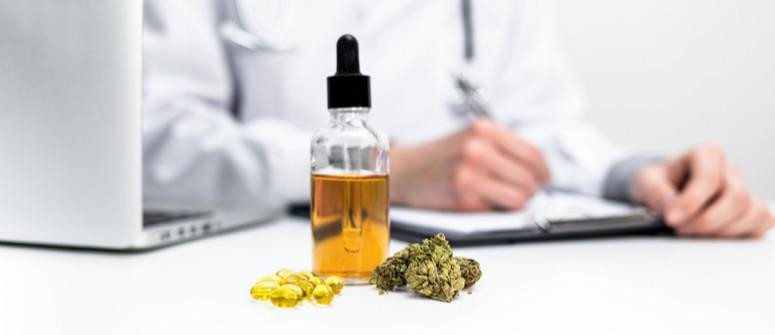 Come parlare al tuo medico riguardo l'uso dell'olio di CBD